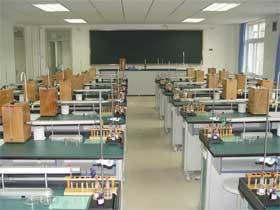 中央民族大学附属中学中央民族大学附属中学校园相片