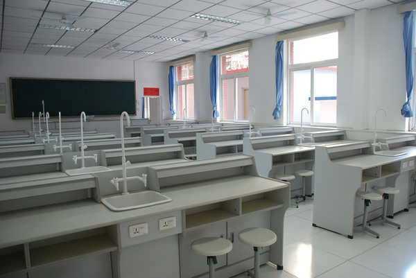 北京市万寿寺中学北京市万寿寺中学校园相片