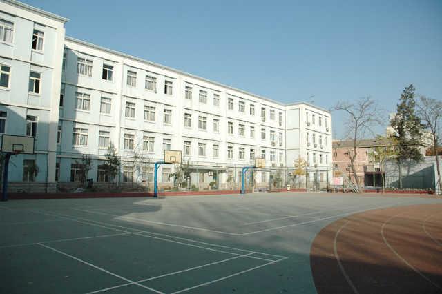 首都师范大学第二附属中学首都师范大学第二附属中学校园相片