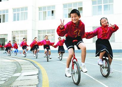 武汉市江夏区第一小学武汉市江夏区第一小学校园风光