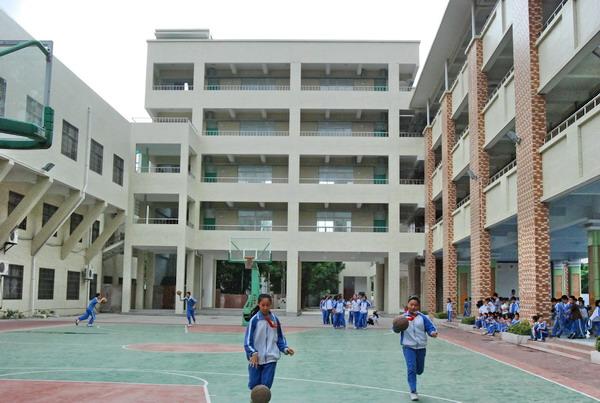 深圳市龙岗区龙西小学小学礁青图片