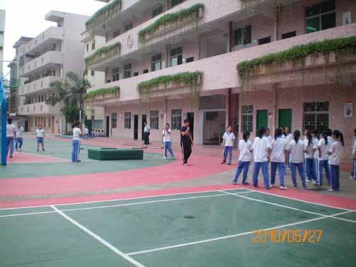 深圳市龙岗区建文小学http://school.edu63.com/uploadfile/1291097810_edu63_10ue.jpg