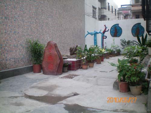 深圳市龙岗区建文小学http://school.edu63.com/uploadfile/1291097826_edu63_kn3n.jpg