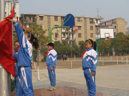 黄陂区前川街第六小学黄陂区前川街第六小学校园图片