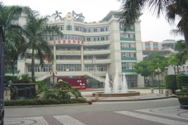 阳新县白沙镇潘桥初级中学阳新县白沙镇潘桥初级中学校园图片