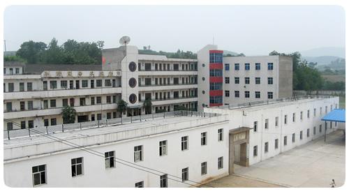 郧县刘洞镇九年一贯制学校初中部校园风景|郧县刘洞镇