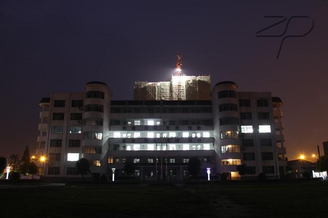 襄樊市第八中学襄樊市第八中学校园风光