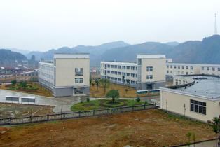 磨市镇中心学校磨市镇中心学校校园图片