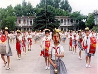 荆门市石化第一小学荆门市石化第一小学校园相片