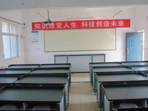 荆门市掇刀区十里牌小学荆门市掇刀区十里牌小学校园相片