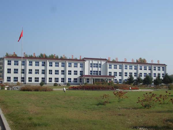 前郭县蒙古族中学校园风景|前郭县蒙古族中学排名