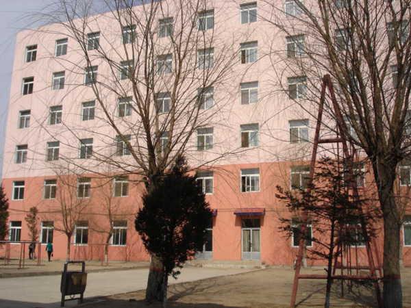 珲春市第二高级中学珲春市第二高级中学校园介绍