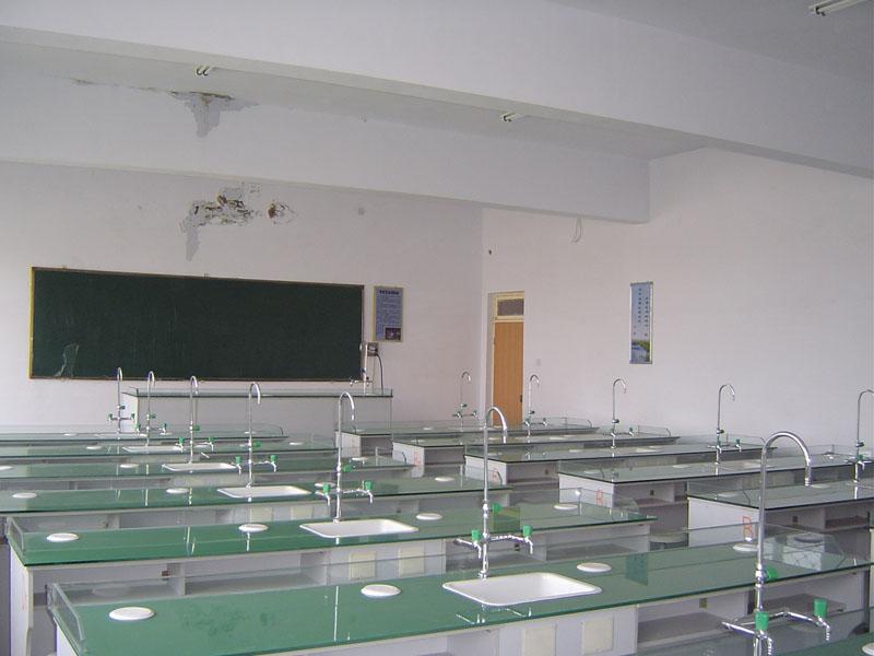 霍林郭勒市第三中学霍林郭勒市第三中学校园介绍