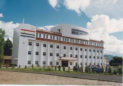 拉萨市第二高级中学http://school.edu63.com/uploadfile/20075111531323635.jpg