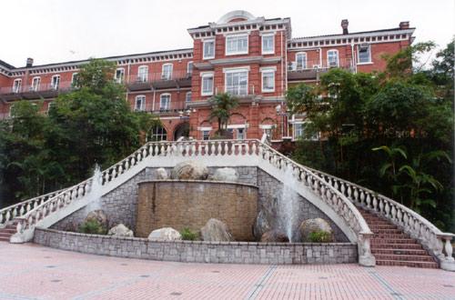 香港大学2006083016290283715