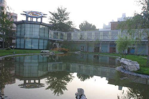 中国传媒大学国交中心连廊