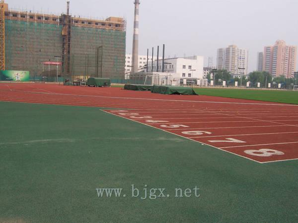 对外经济贸易大学操场跑道