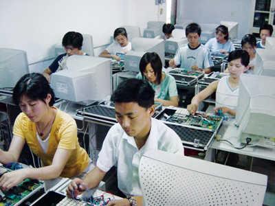 郑州科技职业学院电子实验室