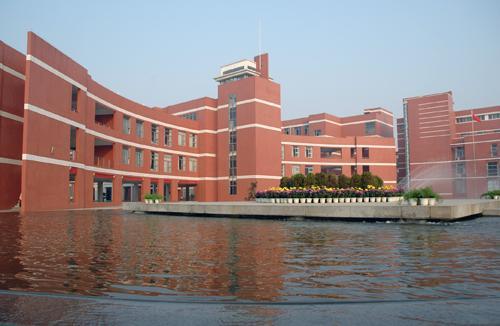 郑州外国语学校教学楼
