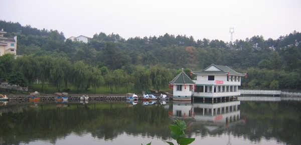 重庆电子工程学院http://school.edu63.com/uploadfile/2007615176586947.jpg