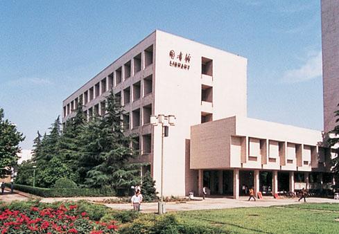 西安石油大学硬件设施
