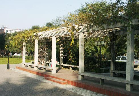 西安石油大学校园长廊