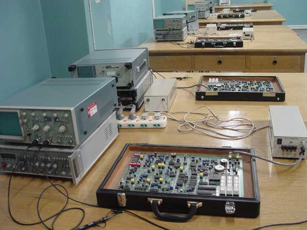 西安工业大学一流的教学设备