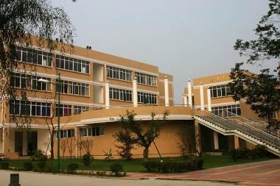 四川文化产业职业学院http://school.edu63.com/uploadfile/200771617521355013.jpg