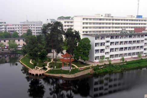 广西机电职业技术学院校园风景|广西机电职业技术学院