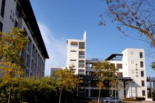 东华大学  校园一角