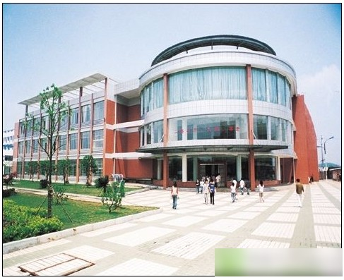 湖南工业大学  校园一角