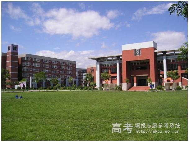 陕西国际商贸学院  校园一角