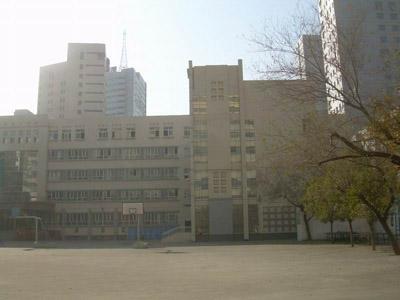 新疆乌鲁木齐县第二中学新疆乌鲁木齐县第二中学校园环境