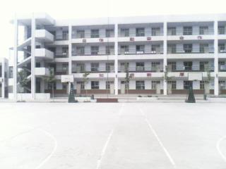 河南省新乡市第四中学河南省新乡市第四中学校园环境