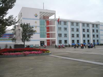 新疆阜康市第三中学新疆阜康市第三中学校园环境