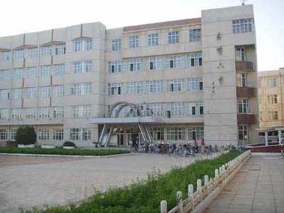 内蒙古赤峰市第六中学内蒙古赤峰市第六中学校园环境