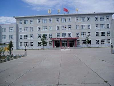 内蒙古额尔古纳市第一中学内蒙古额尔古纳市第一中学校园环境