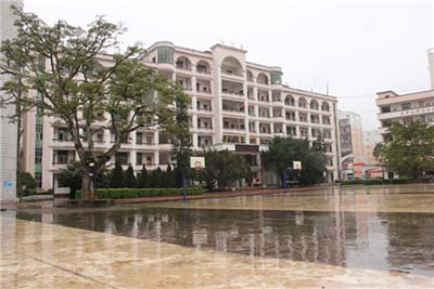 云南省文山市第一初级中学云南省文山市第一初级中学校园环境