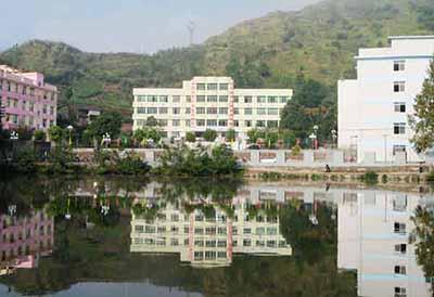 四川省乐山市沙湾区福禄中学校园环境